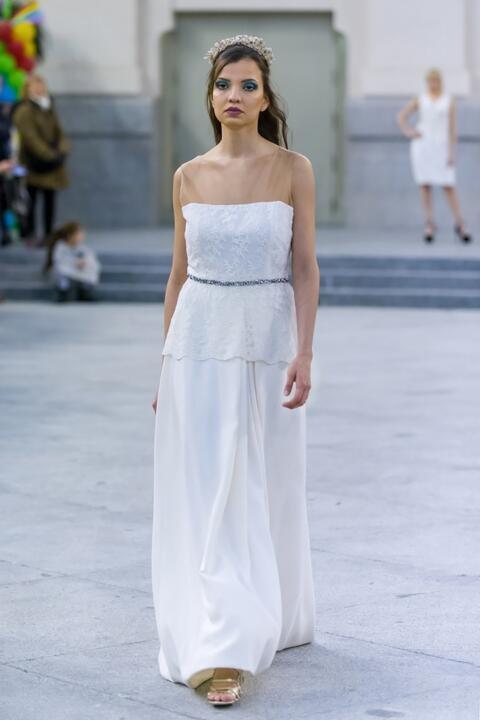 vestido de novia largo con cola madrid